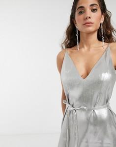 Платье мини с эффектом металлик и поясом ASOS WHITE-Серебряный