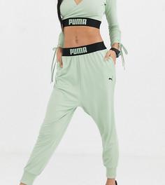 Зеленые драпированные спортивные брюки Puma эксклюзивно для ASOS-Зеленый