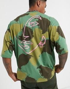 Oversize-футболка из органического хлопка с камуфляжным принтом ASOS DESIGN-Зеленый