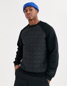 Черный зимний свитшот со стеганой вставкой и асимметричной молнией Nike