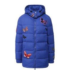 Куртки Valentino Стеганая куртка с декоративными нашивками и капюшоном Valentino
