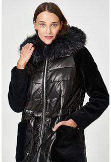 Утепленное кожаное пальто с отделкой мехом енота Vericci