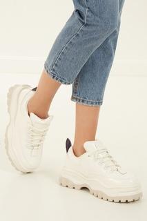 Белые лакированные кроссовки Angel Eytys