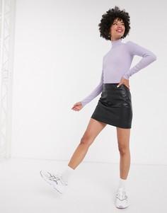 Черная мини-юбка из искусственной кожи Monki-Черный