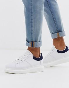 Белые кроссовки на массивной подошве с темно-синей вставкой Loyalty & Faith-Белый