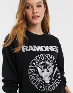 """Черный свитшот с принтом """"Ramones"""" Stradivarius-Белый"""