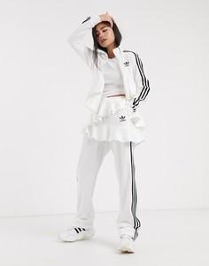 Светлые спортивные штаны с оборками adidas Originals x J KOO-Белый