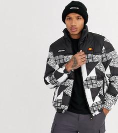 Дутая куртка с черно-белым принтом в стиле пэтчворк ellesse эксклюзивно на ASOS-Черный