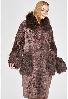 Шуба из овчины с отделкой овчиной калган и мехом енота Virtuale Fur Collection