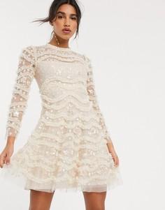 Платье мини кремового цвета с вышивкой и длинными рукавами Needle & Thread-Кремовый