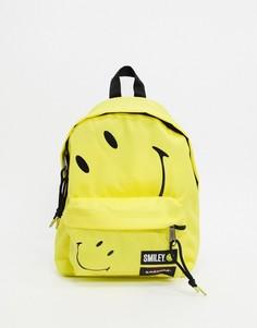 Желтый рюкзак Eastpak x Smiley