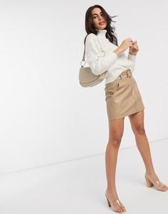 Бежевая мини-юбка из искусственной кожи с ремнем Stradivarius-Бежевый