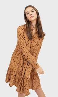 Платье-рубашка с воланом Stradivarius