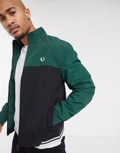 Зеленая спортивная куртка с черными вставками колор блок Fred Perry-Зеленый