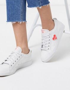 Белые кроссовки с розовым сердцем adidas Originals Nizza-Белый