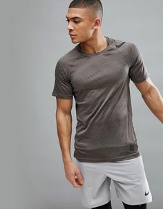 Коричневая футболка с камуфляжным принтом Nike Training Hypercool 888291-202-Зеленый