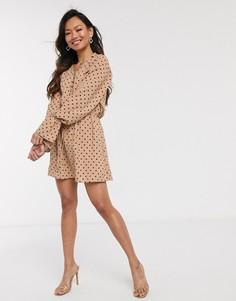 Эксклюзивное светло-коричневое платье на пуговицах в горошек In The Style x Stephsa-Мульти