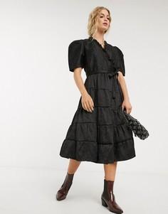 Платье миди с запахом, ярусной юбкой и жаккардовым цветочным рисунком Sister Jane-Черный