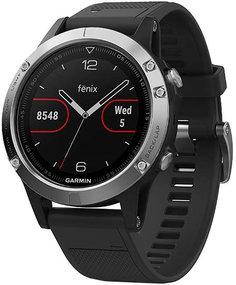 Спортивные часы Garmin Fenix 5 с черным ремешком (серебристый)