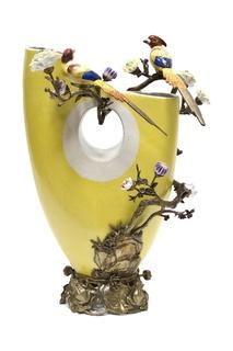 Ваза с цветами и птицами ГЛАСАР