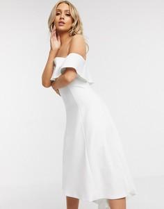 Белое платье-бандо для выпускного с оборками Chi Chi London-Белый