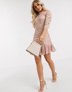 Бежевое приталенное платье Chi Chi London-Розовый