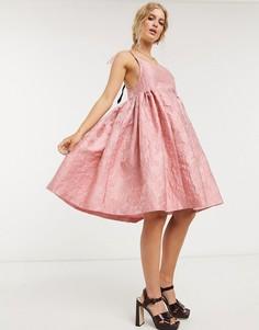Розовое жаккардовое платье мини для выпускного с бретельками на завязках Sister Jane-Розовый
