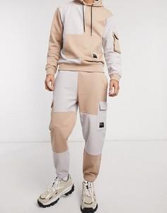 Светло-коричневые джоггеры от комплекта со вставками и карманами в стиле милитари Mennace-Светло-коричневый