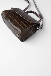 Мини-сумка с эффектом крокодиловой кожи Zara