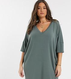 Oversized платье-футболка цвета серого хаки с V-образным вырезом ASOS DESIGN Curve-Серый