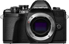Цифровой фотоаппарат Olympus E-M10 Mark III Kit ED 14-42 IIR + ED 40 150 R (черный)