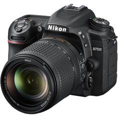 Зеркальный фотоаппарат Nikon D7500 Kit 18-140 VR (черный)