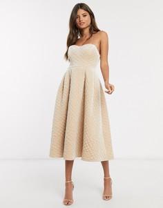 Стеганое бархатное платье миди цвета шампанского с лифом бандо ASOS DESIGN Premium-Бежевый