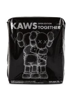 KAWS коллекционная фигурка Kaws Together