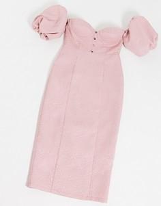 Розовое платье миди с открытыми плечами Rare London-Розовый