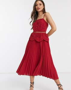 Бордовое платье миди на бретелях с вышивкой ришелье и плиссированной юбкой ASOS DESIGN-Красный