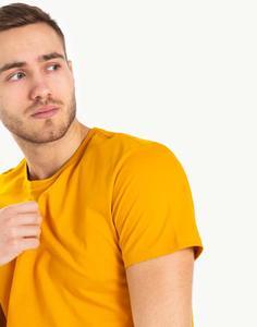 Жёлтая однотонная футболка Gloria Jeans