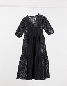 Свободное ярусное платье черного цвета с запахом Y.A.S-Черный