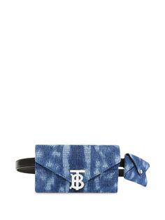 Burberry джинсовая поясная сумка-конверт с монограммой TB