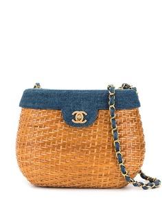 Chanel Pre-Owned джинсовая сумка-корзина с ремнем-цепочкой
