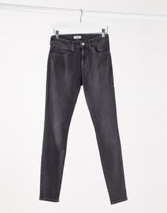 Серые джинсы скинниWrangler-Серый