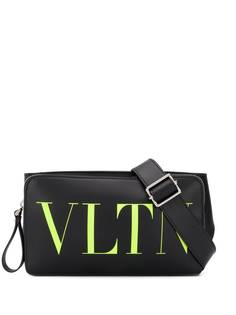 Valentino Garavani поясная сумка с логотипом VLTN