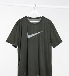 Футболка хаки с камуфляжным логотипом-галочкой Nike Plus Training-Зеленый