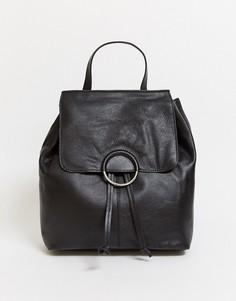 Черный кожаный рюкзак с кольцом Urbancode