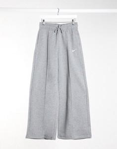 Серые широкие джоггеры с завышенной талией и логотипом Nike-Серый