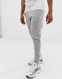 Серые джоггеры с вышитым логотипом adidas Originals-Серый