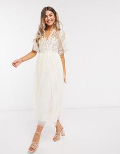 Платье миди цвета шампанского с запахом и отделкойNeedle & Thread-Золотой