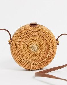 Круглая сумка через плечо из ротанга ASOS DESIGN-Коричневый