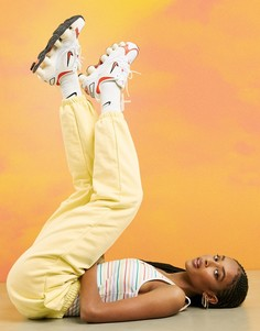 Желтые oversized-джоггеры с логотипом металлик Nike-Розовый