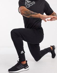 Черные брюкис краснойотделкой adidas VRCT-Черный